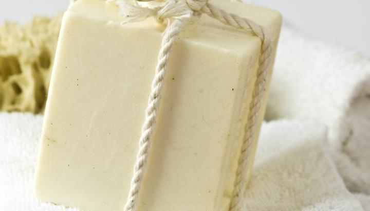 Мыло для интимной гигиены: почему оно необходимо для женского здоровья?